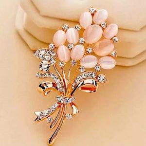 New Cute Opal stone Flower Brooch